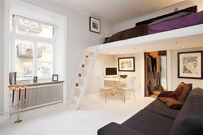двухъярусная кровать на втором этаже