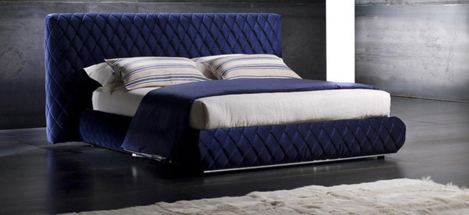 Стильная кровать с мягким изголовьем в Акцент-Мебель