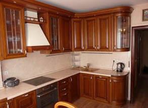 кухня с фасадом люкс
