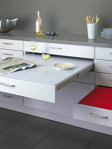 выдвижной стол на маленькой кухне