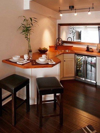 стол-столешница на маленькой кухне