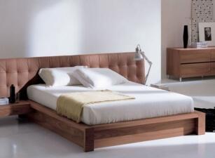 Мягкая кровать 001а