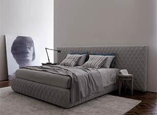 Мягкая кровать 003а