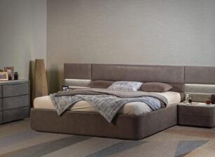 Мягкая кровать 004а