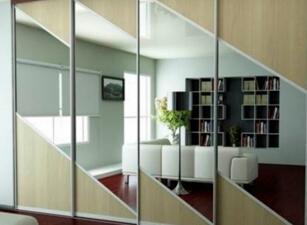 Зеркальный шкаф-купе 048а