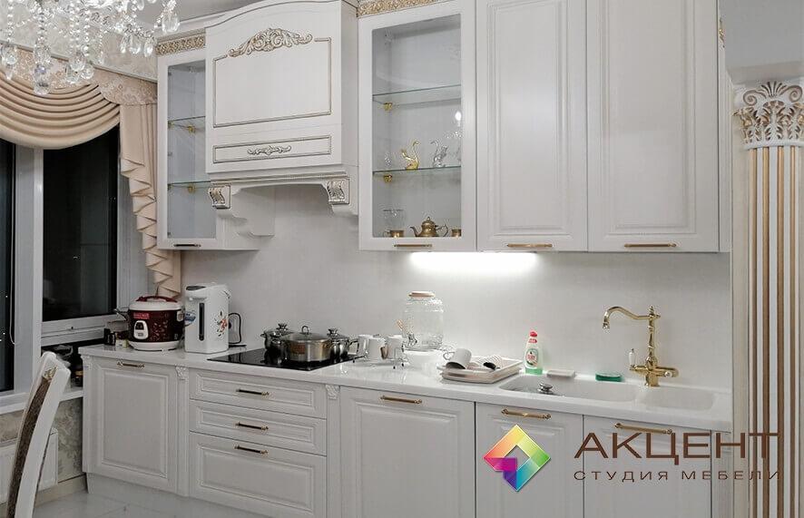 наши работы кухня белая