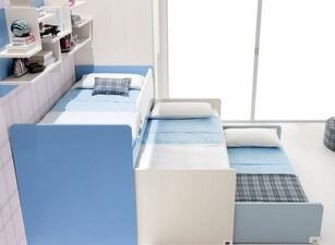 Кровать трехъярусная 108а