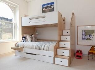 Кровать трехъярусная 114а